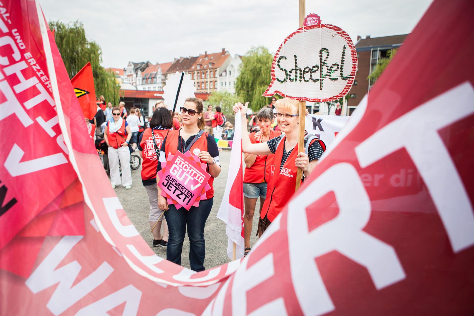 Solidarität mit den Beschäftigten im Sozial- und Erziehungsdienst! Solidaritäts-Demo und -Kundgebung